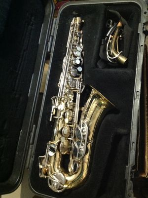 Bundy ll saxophone with case for Sale in Medfield, MA