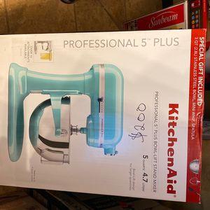 Kitchen Aid Professional 5 Plus for Sale in Alexandria, LA