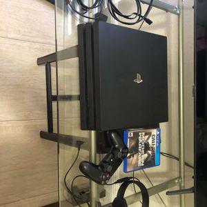 PS4 Pro 1 Tb for Sale in Miami, FL