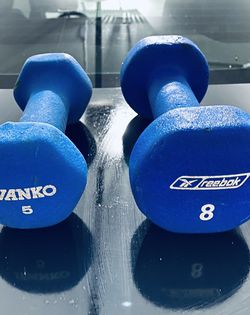 5 Lb Dumbbell & 8 Lb Dumbbell for Sale in Bothell,  WA