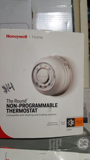 Round thermostat for Sale in Clovis, CA
