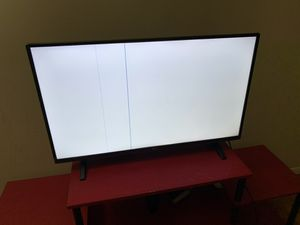 LG 40'' full HD TV for sell in hackensack for parts only for Sale in Hackensack, NJ