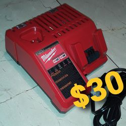 Milwaukee Charger M18 M12 for Sale in Los Angeles,  CA