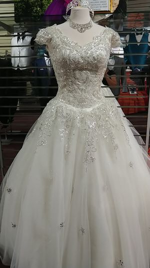 Quinceanera dress package for Sale in Castro Valley, CA