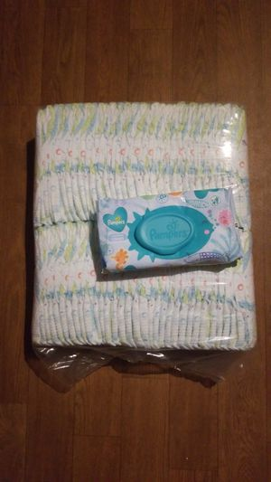 Size 3 Kirkland diapers w/ 1 pack of Pampers wipes for Sale in Glendale, AZ