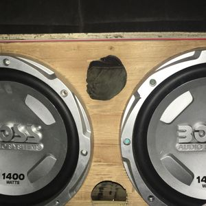 2 12 Inch Boss Audio Systems 1400 Watt for Sale in Cuba, MO