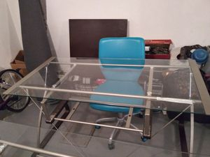 Desk for Sale in St. Louis, MO
