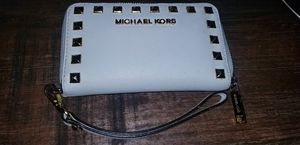 Michael Kors wristlet cream and gold for Sale in Durham, NC