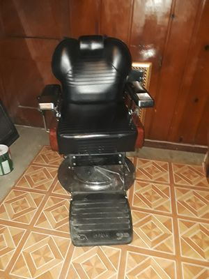 Barber's chair for Sale in Washington, DC