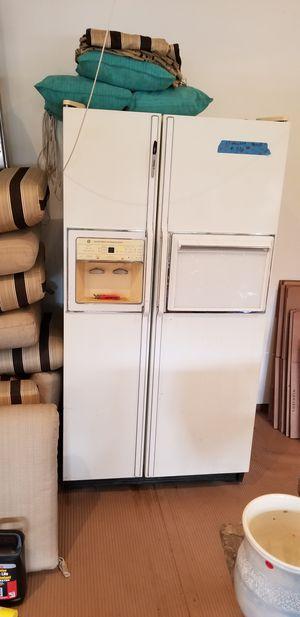 36 inch refrigerstor for Sale in Leesburg, VA