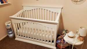 Babies R Us Crib, Mattress and Changing Table for Sale in Phoenix, AZ