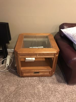 Solid Oak coffee table and end table for Sale in Accokeek, MD