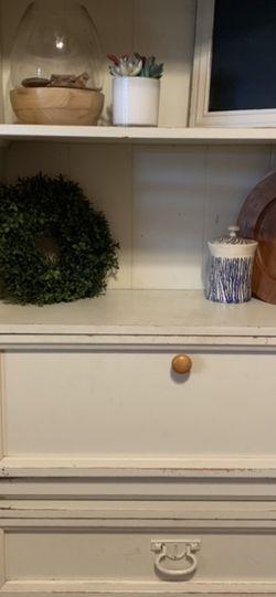 Dresser Desk Hutch for Sale in Yorba Linda,  CA
