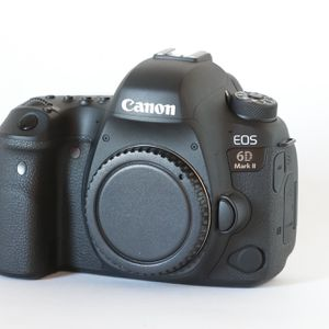 Canon EOS 6D Mark II Body for Sale in Phoenix, AZ