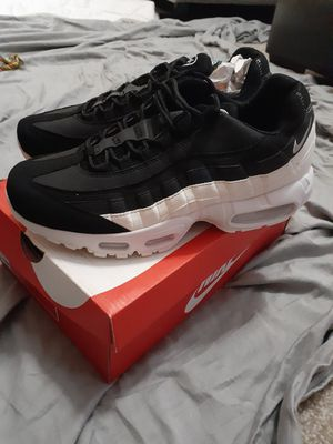 Nike Air Max 95 Essential for Sale in Douglasville, GA