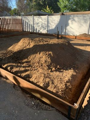 CLEAN DIRT!! FREEEE DIRT!! DELIVERY AVAILABLE for Sale in Rosemead, CA