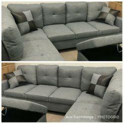 Brand New Grey Denim Linen Sectional With Storage Ottoman for Sale in Spanaway,  WA