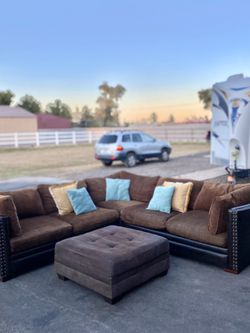 Sectional Couch - Free Delivery 🚚 for Sale in Waddell,  AZ