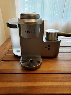 Keurig Special Edition All-In-One coffee maker for Sale in Tacoma, WA