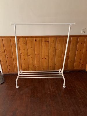 Rolling clothing racks for Sale in Bell Gardens, CA