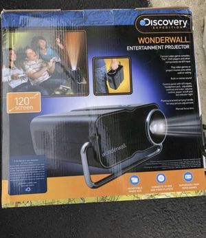 120 inch Wonderwall entertainment projector for Sale in Orland Park, IL