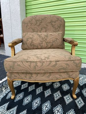 Beautiful Brocade accent chair for Sale in Fort Lauderdale, FL
