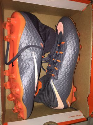 Nike Phantom 3 Pro. DF FG soccer cleats. Men size 9. (Like new) for Sale in Happy Valley, OR