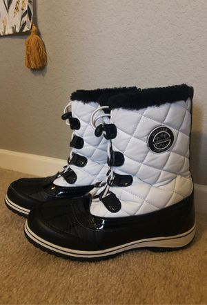 GIRLS SNOW BOOTS SIZE 3 for Sale in Menifee, CA