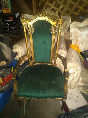 Antique chair for Sale in Detroit, MI