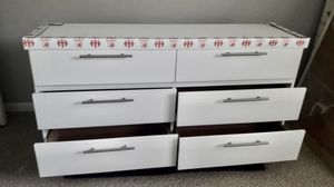 NEW SIX DRAWER DRESSER AND NIGHTSTANDS AVAILABLE FOR DELIVERY for Sale in Lake Worth, FL