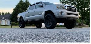 Low.Price 2009 Toyota Tacoma 4WDWheels for Sale in San Antonio, TX