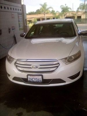 Ford Taurus 2014 limited as is for Sale in Lakeside, CA