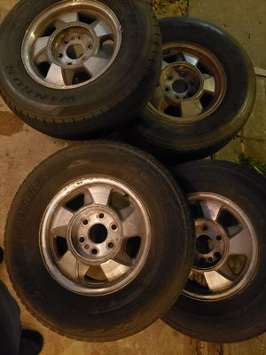 2001 chevy suburban six lug Rims for Sale in Whittier, CA