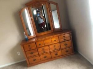 Bedroom furniture combo minus bed frame for Sale in Atlanta, GA