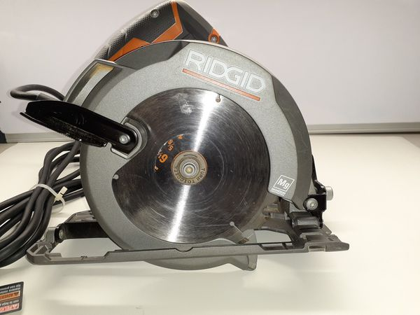 RIDGID 12 Amp Corded 6-1/2 in. Magnesium Compact Framing Circular Saw