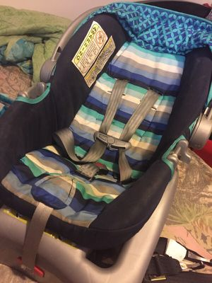 Baby car seat ! for Sale in Columbus, OH