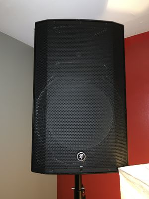 """Mackie Thump15A 1300W 15"""" Powered Speaker for Sale in Westchester, IL"""