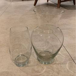 2 Flower Glass Flower Vases for Sale in Fort Lauderdale,  FL