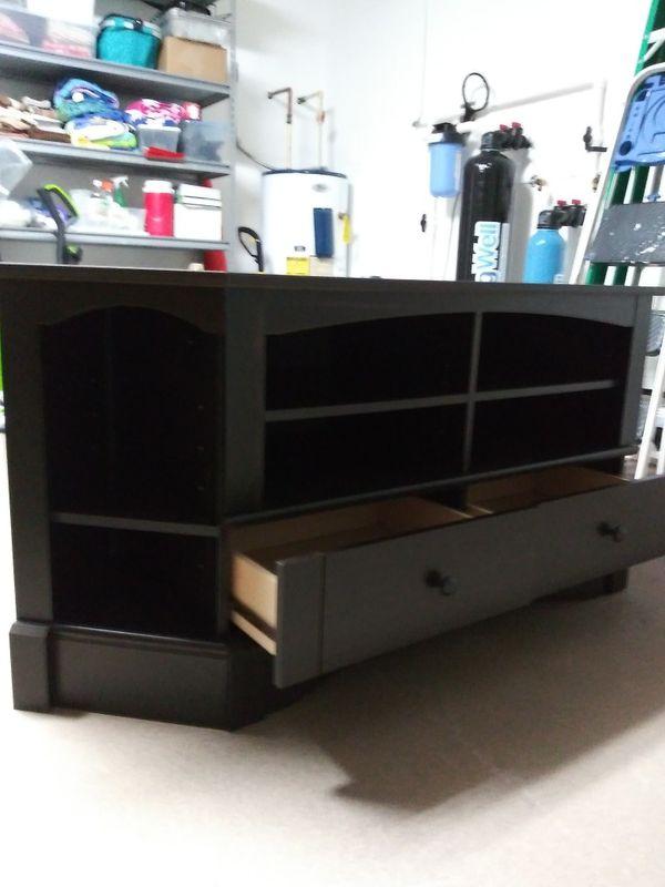 TV console entertainment