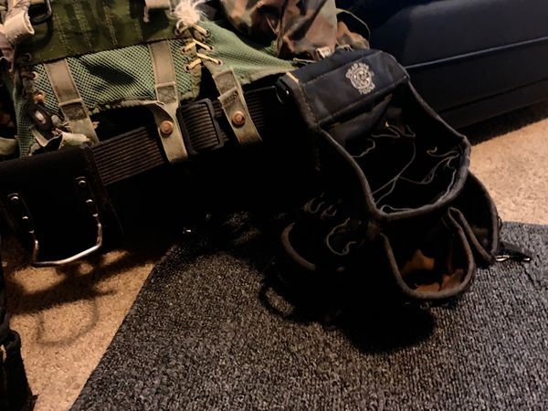 Whole tool belt bags are fresh and are bags by dead on tools also the vest is a us army vest