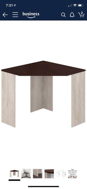 Corner desk for Sale in Sanford, FL