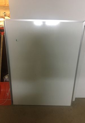 Super clean white board - $20 for Sale in Mansfield, MA