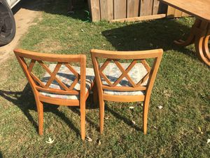 2 chairs for Sale in Nashville, TN