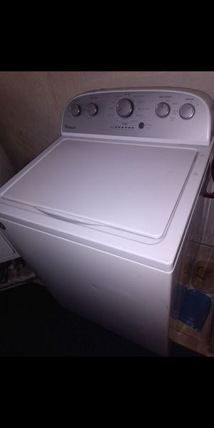 Whirlpool washer and dryer for Sale in Jefferson City, MO