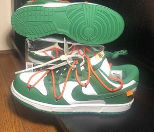 Off white dunk for Sale in Chevy Chase, MD