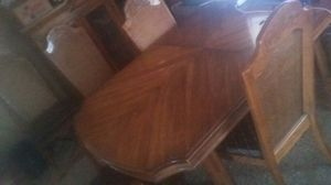 8 seat dining room table with extenders. for Sale in NV, US