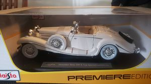 1:18 Mercedes-Benz 1936 500k Typ SpecialRoadster for Sale in Lincoln, RI