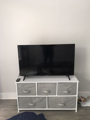 TCL 40 inch Roku tv for Sale in Tacoma, WA