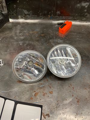 Stock Chevy Colorado fog lights for Sale in Newcastle, WA
