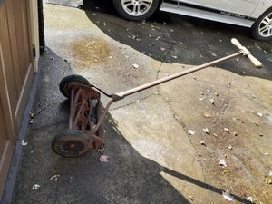 Manual lawn mower for Sale in Conneaut, OH